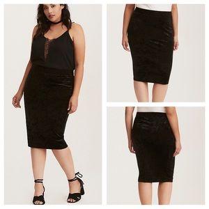Torrid Black Crushed Velvet Pencil Skirt Size 4